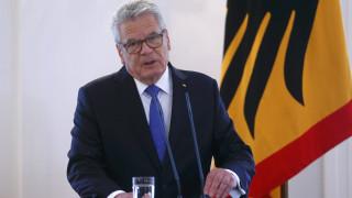 Γερμανός πρόεδρος: H επίθεση κατά της Γαλλίας, επίθεση σε όλο τον ελεύθερο κόσμο