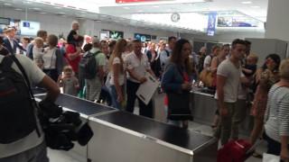 Εκκενώθηκε το αεροδρόμιο της Νίκαιας - Ελεγχόμενη έκρηξη (vid)