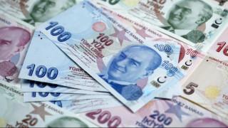 Κατακόρυφη πτώση της τουρκικής λίρας