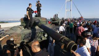 Μπαράζ συλλήψεων στην Τουρκία (vid)