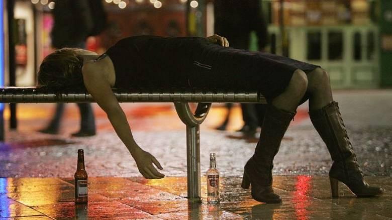 Ινδία: Ποτό-δηλητήριο σκότωσε 19 και τύφλωσε έξι