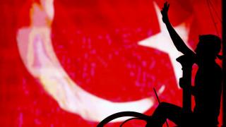«Κύβος του Ρούμπικ» για το ΥΠΕΞ η απόπειρα πραξικοπήματος στην Τουρκία