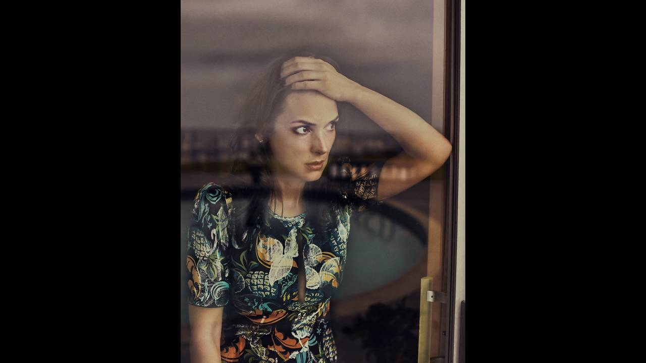 https://cdn.cnngreece.gr/media/news/2016/07/18/39794/photos/snapshot/Winona-Ryder-The-Edit-July-2016-Cover-Photoshoot04.jpg