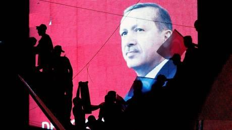 Ερντογάν: Έφυγε πρόεδρος, γύρισε σουλτάνος