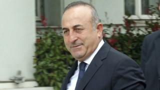 Μ.Τσαβούσογλου: Απαράδεκτα τα σχόλια του ευρωπαίου επιτρόπου για το πραξικόπημα