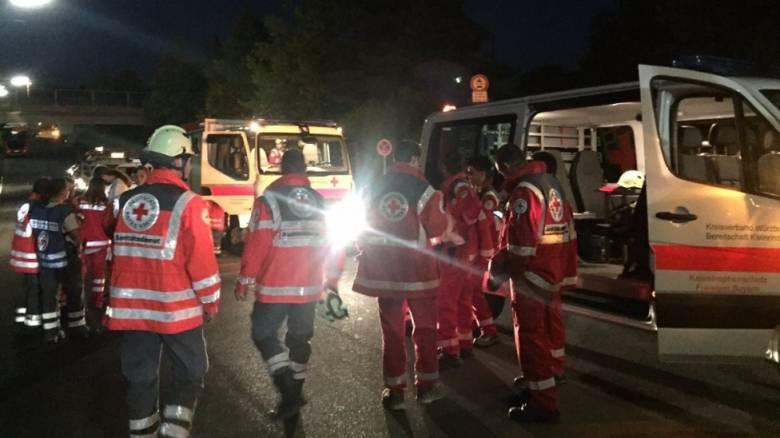 Συναγερμός στη Γερμανία: Επίθεση άνδρα με τσεκούρι σε τρένο