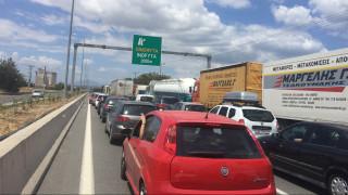 Κλειστή η Νέα Εθνική οδός Αθηνών-Λαμίας έπειτα από ανατροπή νταλίκας