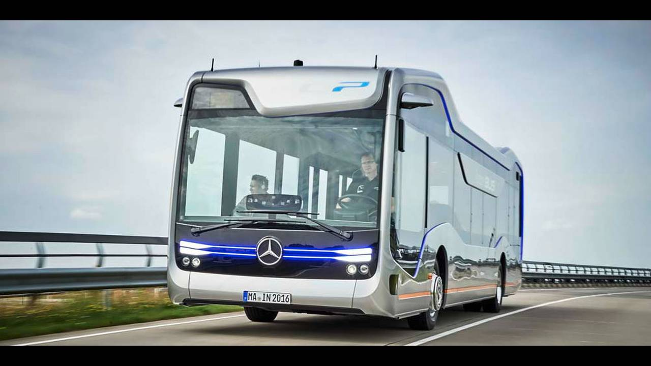 https://cdn.cnngreece.gr/media/news/2016/07/19/39927/photos/snapshot/mercedes-benz-future-bus-43.jpg