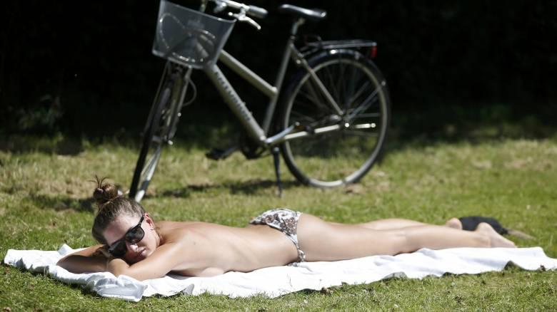 Εκεί όπου οι Βρετανοί κάνουν ηλιοθεραπεία (pics)
