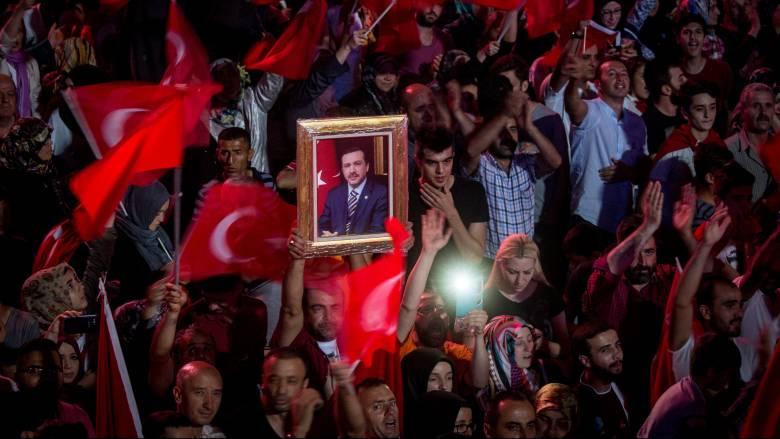 Τ. Ερντογάν: Εκκαθαρίσεις παντού σε αναμονή «σημαντικών ανακοινώσεων»