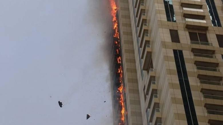 Φωτιά σε ουρανοξύστη στο Ντουμπάι (vid)
