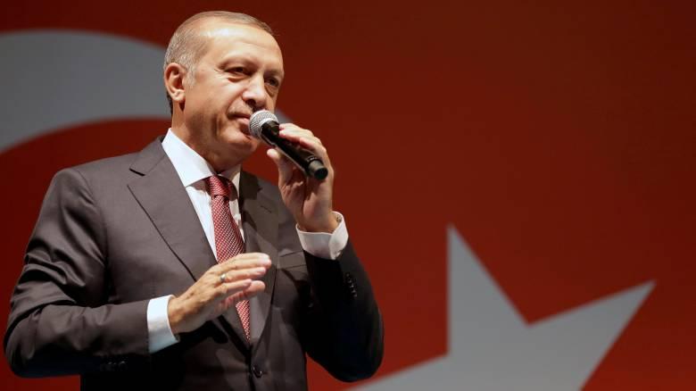 Ερντογάν: Θα εγκρίνω θανατική ποινή αν αποφασίσει η Βουλή
