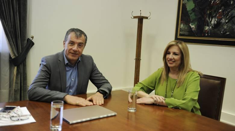 Προγραμματική συμφωνία σε 10 τομείς για ΠΑΣΟΚ και Ποτάμι