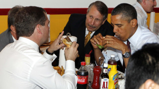 Η μαγειρική στην «υπηρεσία» της πολιτικής (σπάνιες φωτογραφίες)