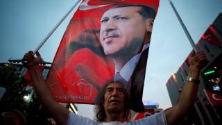 Τουρκία: Έλεγχοι και στο ΥΠΟΙΚ για πραξικοπηματίες