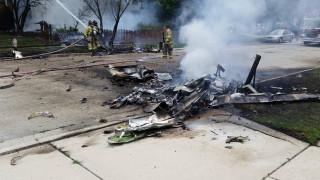 Αεροπλάνο έπεσε πάνω σε σπίτι