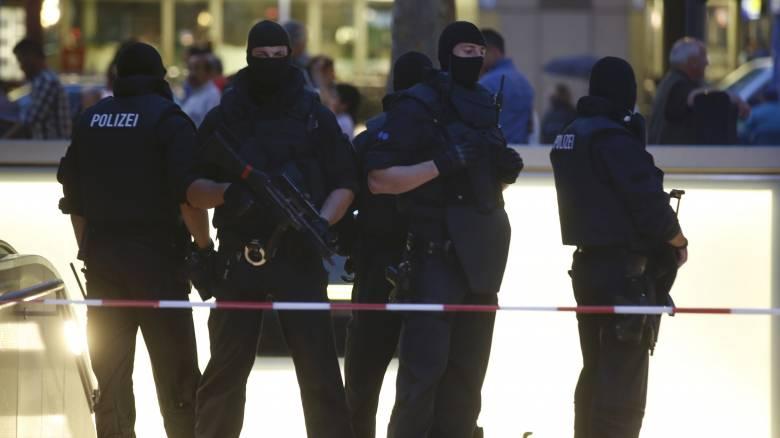 Επίθεση στη Γερμανία: Έρευνες για τους δράστες - Τουλάχιστον 8 οι νεκροί