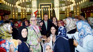 Αυστρία: Διχάζουν οι διαδηλώσεις υπέρ Ερντογάν - Ψηφοφόροι του οι Τούρκοι υπήκοοι που ζουν στη χώρα
