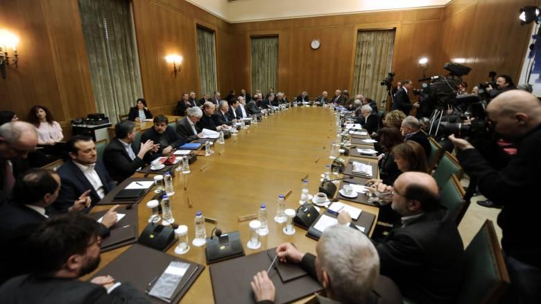 Η κυβέρνηση ρίχνει το βάρος της στην κοινωνική πολιτική