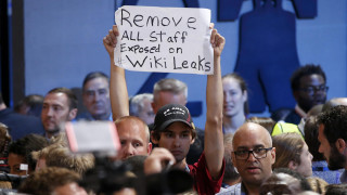 Νέα αναταραχή στους Δημοκρατικούς προκαλούν τα Wikileaks
