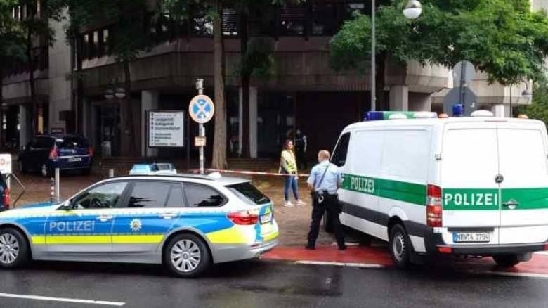 Ένοπλος εισέβαλε σε γραφείο στην Κολωνία