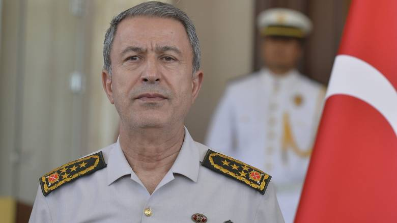 Παραμένει επικεφαλής του τουρκικού στρατού ο Χουλουσί Ακάρ