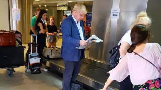 Ο Μπόρις Τζόνσον στην Ελλάδα για διακοπές