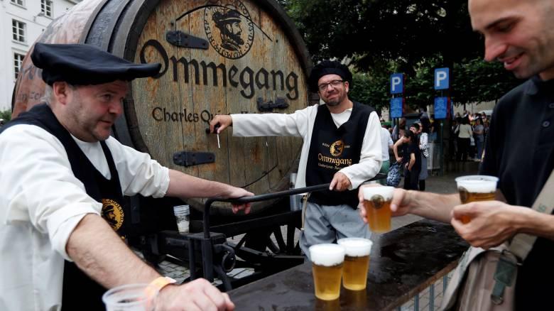 """Το Σμιθσόνιαν αναζητά τον υπάλληλο.... """"Και πίνω μπύρες"""""""