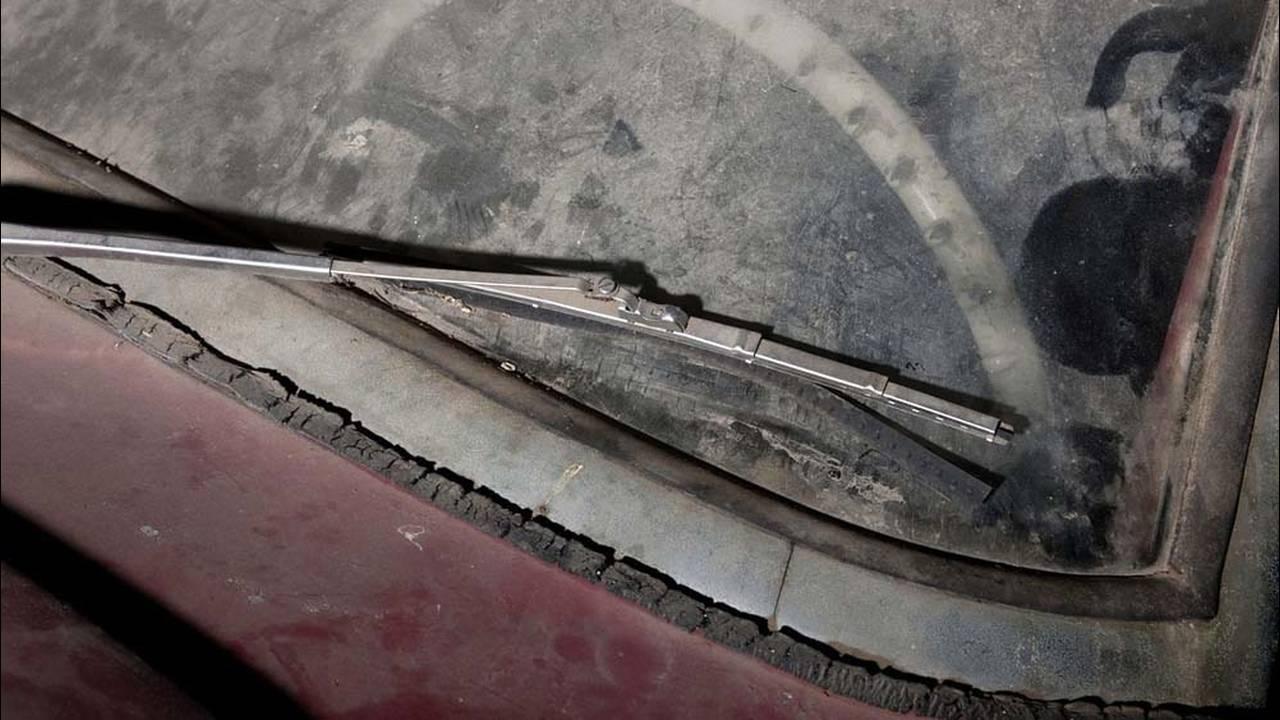 https://cdn.cnngreece.gr/media/news/2016/07/31/41234/photos/snapshot/1957-bmw-507-roadster-elvis-presley-4.jpg