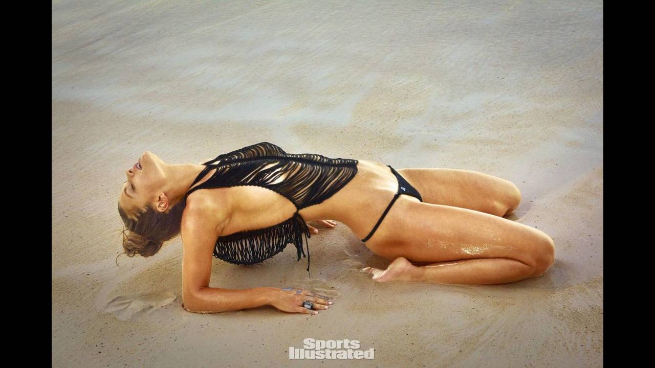 https://cdn.cnngreece.gr/media/news/2016/08/01/41349/photos/snapshot/nina-agdal-in-sports-illustrated-swimsuit-issue-2016_4.jpg