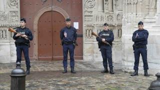 Γαλλία: Δρακόντεια μέτρα ασφαλείας στην κηδεία του ιερέα που σφαγιάστηκε