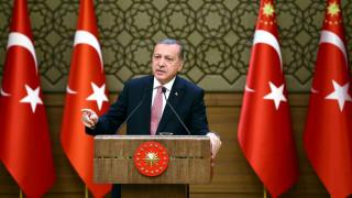Ο Ερντογάν ξιφουλκεί κατά της Δύσης