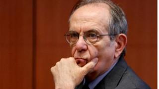 «Δεν υπάρχει συστημική κρίση στο ιταλικό τραπεζικό σύστημα» λέει ο Ιταλός ΥΠΟΙΚ