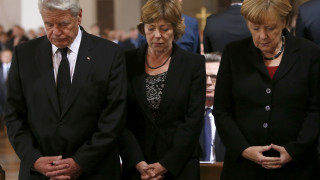 Οι Γερμανοί δεν θεωρούν την Μέρκελ υπεύθυνη για τις επιθέσεις ισλαμιστών στη Βαυαρία