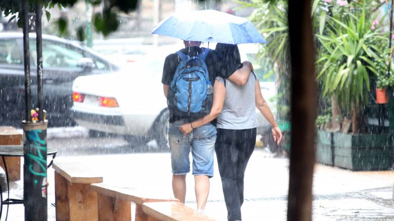 Επιδείνωση του καιρού με βροχές και καταιγίδες