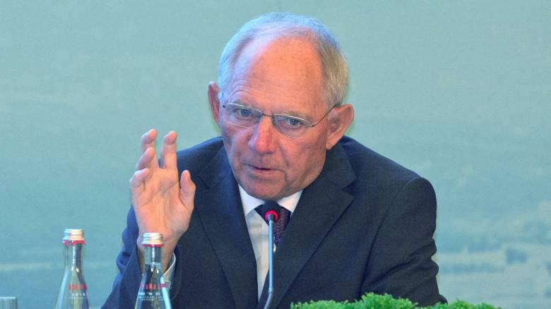 Αναδιοργανώνει την οικονομική αντικατασκοπεία ο Βόλφγκανγκ Σόιμπλε