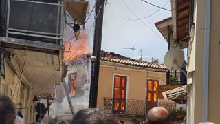 Υπό έλεγχο η πυρκαγιά στην παλιά πόλη της Λευκάδας