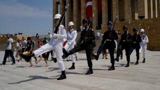 Τουρκία: Γέμισαν οι φυλακές μετά το πραξικόπημα