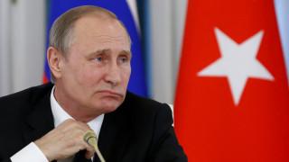 Δυσαρεστημένοι με την κατάσταση των ρωσοβρετανικών σχέσεων Πούτιν και Μέι