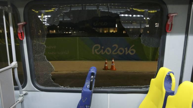 Ρίο 2016: Άνοιξαν πυρ κατά λεωφορείου με δημοσιογράφους (pics)