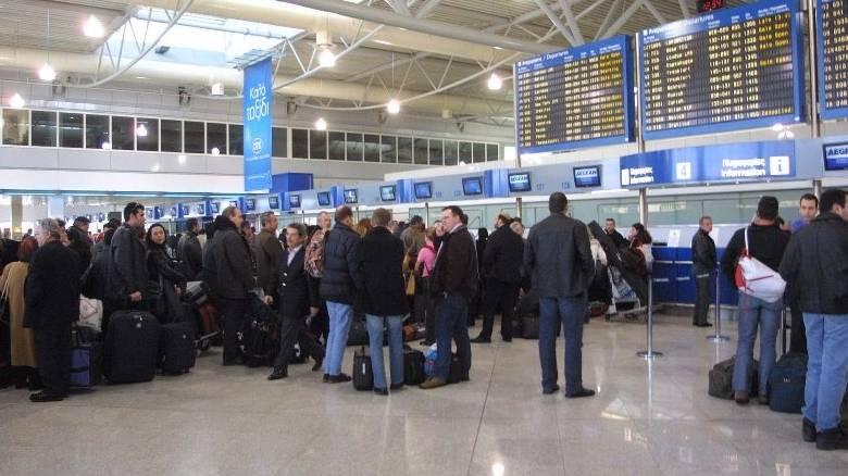 «Πετούν» τα ελληνικά αεροδρόμια-Αυξημένη η κίνηση σύμφωνα με την ΥΠΑ