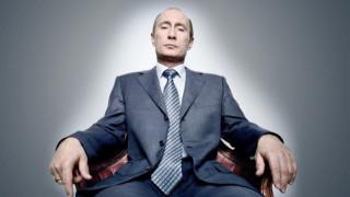 Μία ανάσα από τον Πούτιν: Η ιστορία μίας φωτογραφίας
