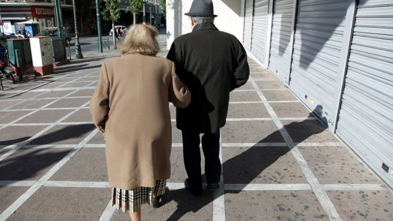 Πώς προκαλούνται και πώς προλαμβάνονται οι πτώσεις ηλικιωμένων το καλοκαίρι