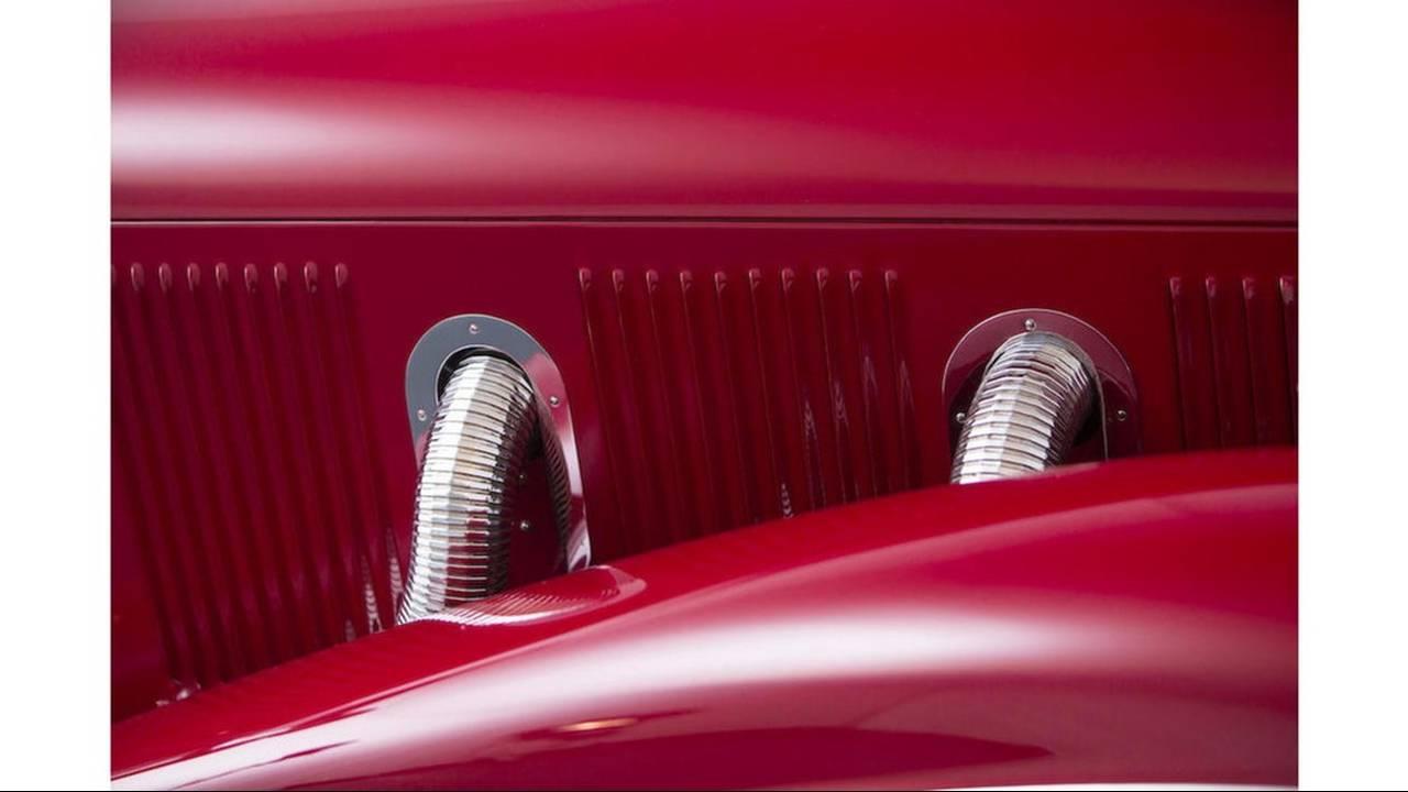 https://cdn.cnngreece.gr/media/news/2016/08/11/42411/photos/snapshot/MERCEDES-BENZ-500K-SPECIAL-ROADSTER-1935-21.jpg