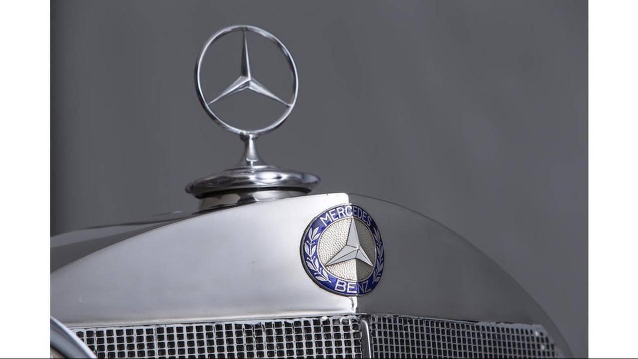 https://cdn.cnngreece.gr/media/news/2016/08/11/42411/photos/snapshot/MERCEDES-BENZ-500K-SPECIAL-ROADSTER-1935-26.jpg