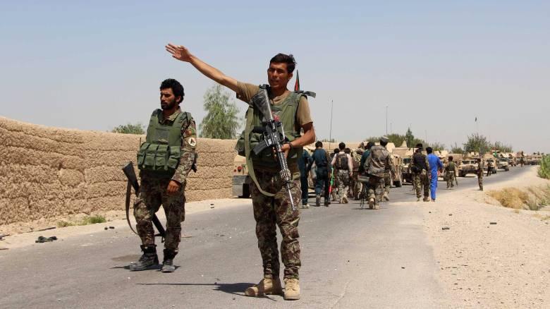 O αφγανικός στρατός συνεχίζει την αντεπίθεση κατά των Ταλιμπάν στη Χελμάντ