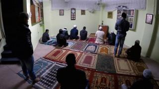 Η κρίση κλείνει τα παράνομα τζαμιά - Στην τελική ευθεία το τέμενος στον Ελαιώνα