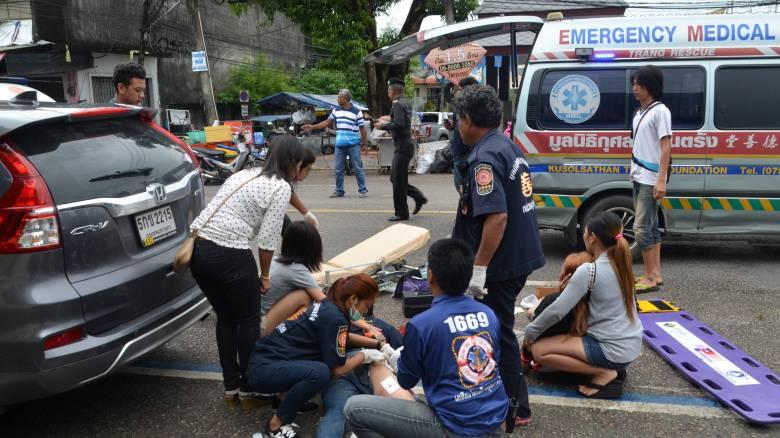 Μπαράζ αιματηρών εκρήξεων στα τουριστικά θέρετρα της Ταϊλάνδης