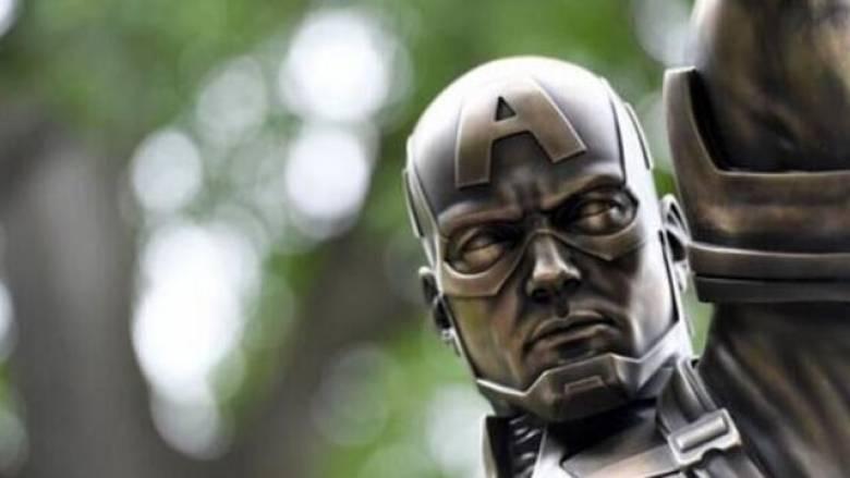 Ένα άγαλμα για τα γενέθλια του... Captain America
