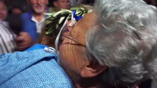 Η μεγάλη αγκαλιά της γιαγιάς στη χρυσή Ολυμπιονίκη, Άννα Κορακάκη (vid)